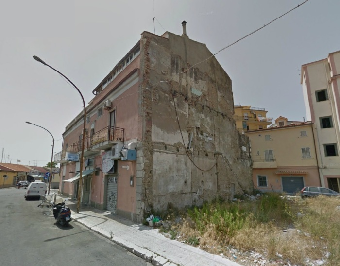 Edificio degradato Crotone