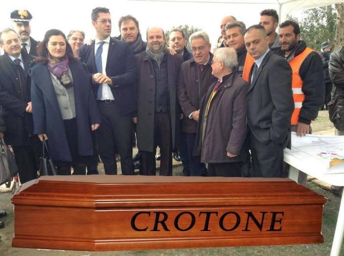 Il funerale di Crotone