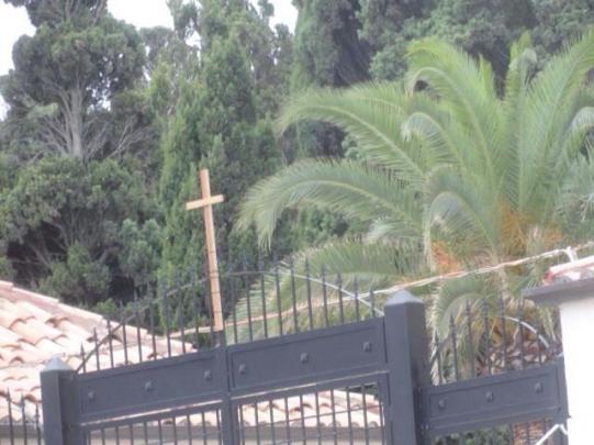 Nuova croce cimitero di Crotone